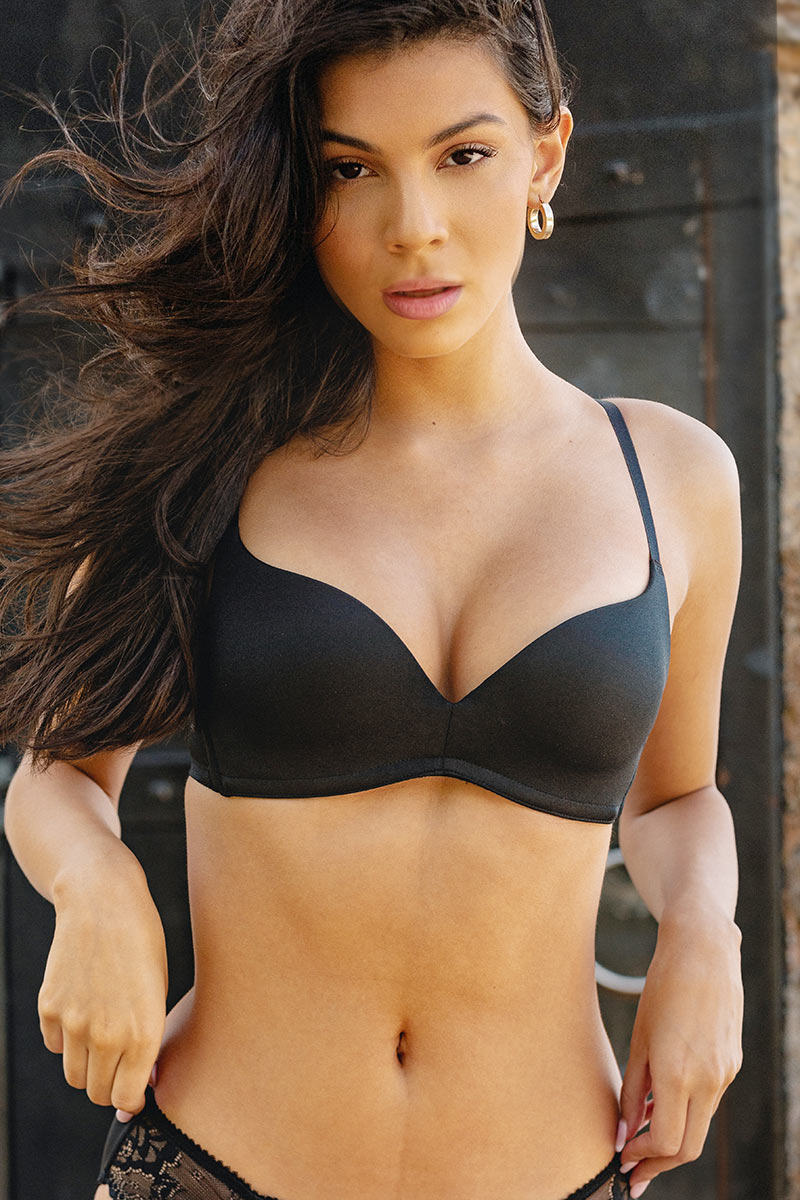 amazing lift and cleavage T-shirt Bra black